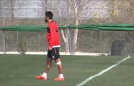 Tremoulinas, lesionado, se vuelve a Sevilla
