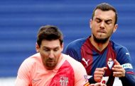 Joan Jordán presiona al Eibar para salir al Sevilla