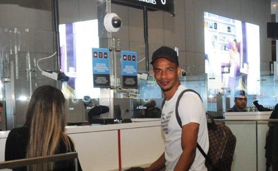 Fernando ya viaja con destino el Sevilla FC