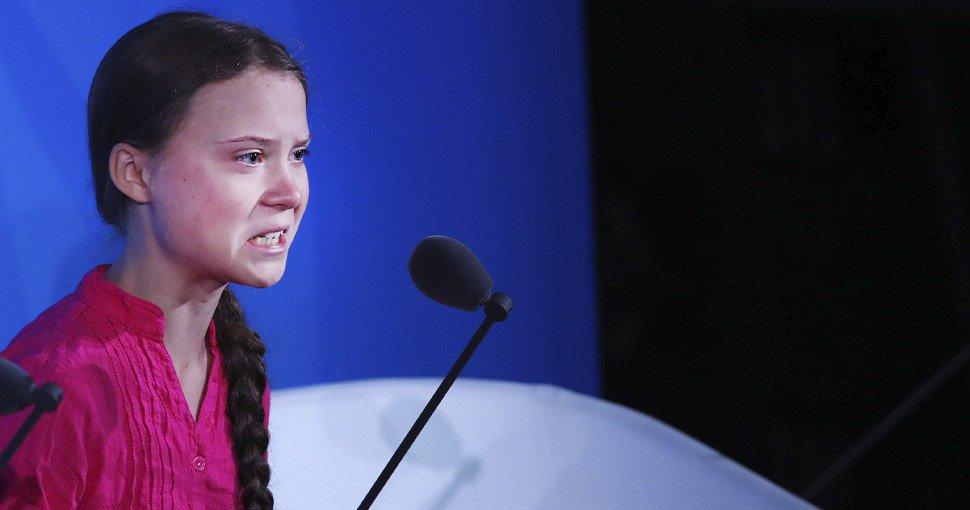 Vídeo: @CazonPalangana y el enfado de la niña del cambio climático con el partido del Sevilla en Eibar