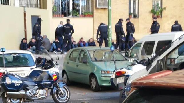 Pelea en Rochelambert entre ultras del Sevilla FC y del Málaga, con varios heridos