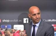 Monchi comunica que se irá este año a la Roma pagando los 5 millones
