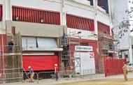 Foto: Las nuevas puertas del Estadio van tomando color vía @fernangodoy
