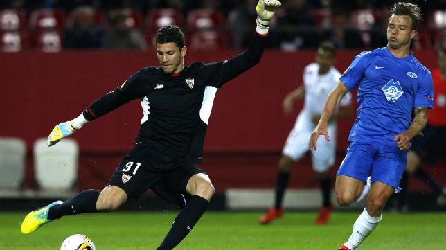 Dos porteros del Sevilla en la mira del Levante