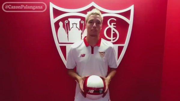 Nasri, a Jovetic, que ya está en Sevilla: 'Ya era hora, hermano'