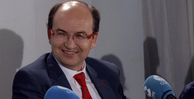La negociación por Jovetic, el nivel de Bacca y los fichajes que quedan, según Pepe Castro