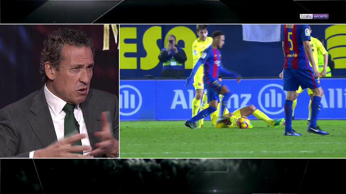 El acta del partido en el que Valdano entró al vestuario del árbitro en el descanso