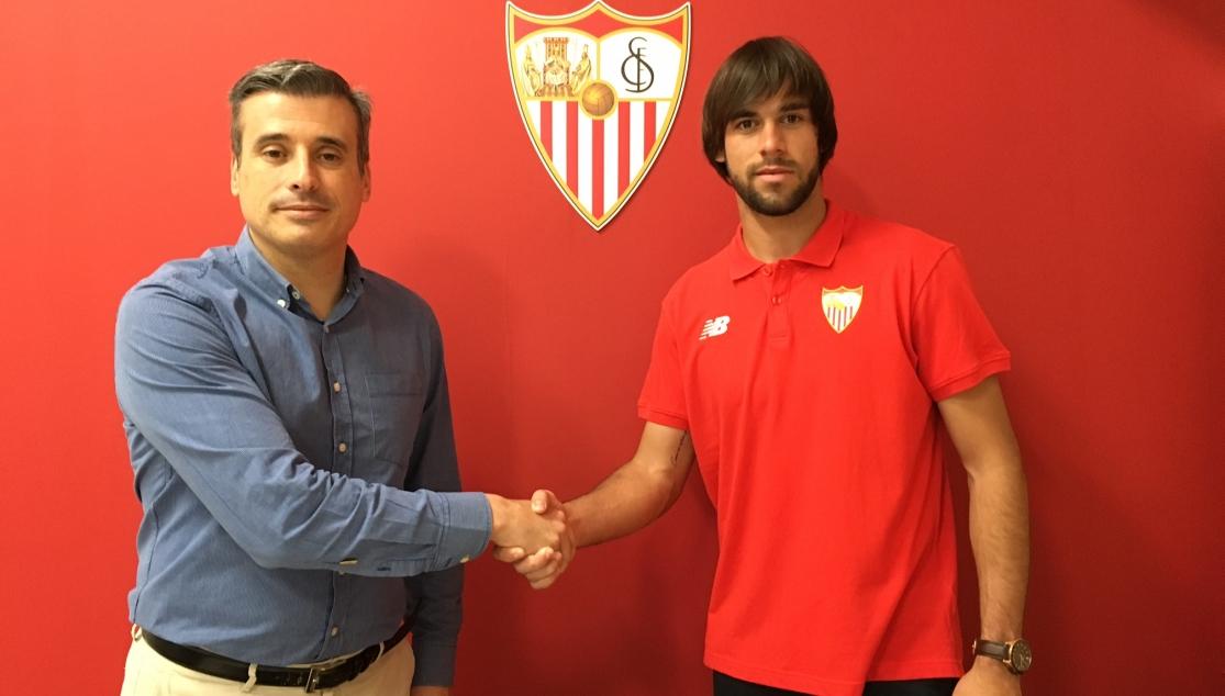 José Antonio Caro renueva hasta 2019