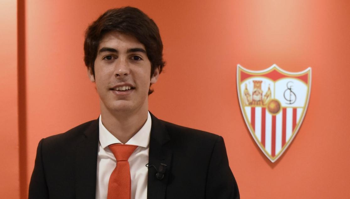 Carlos Fernández, hasta 2021: premio al tesón