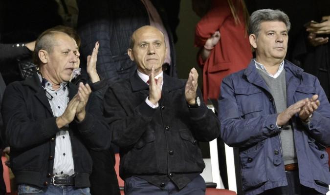 Del Nido reaparece para reñirle a los pequeños accionistas