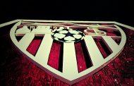 Bonita foto del Escudo de Gol Sur con el balón de la Champions, vía @MacasevillonaG