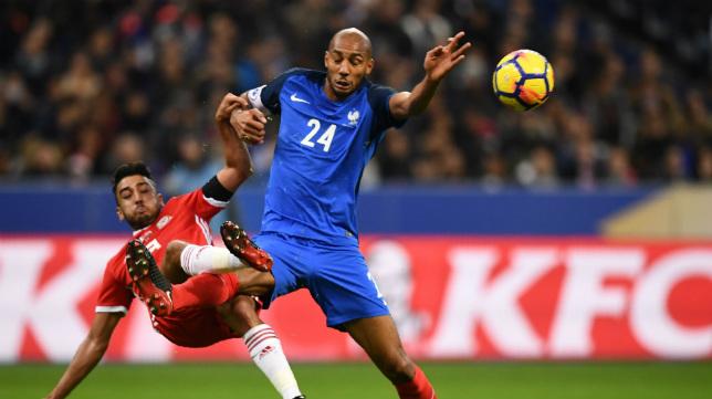 NZonzi vuelve a agitar el mercado tras su estreno con Francia