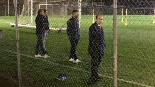 Foto: El Sevilla vuelve a entrenarse bajo la mirada de Maresca