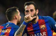 El Sevilla ofrece 6 millones por Aleix Vidal y el Barça pide 10