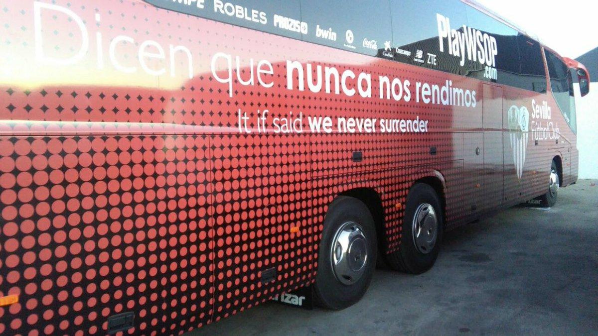 Fotos: Diseño del nuevo autobús del Sevilla FC, vía @juan_buga