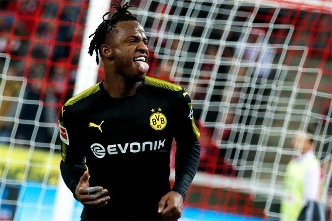 Batshuayi se estrena con dos goles en la Bundesliga
