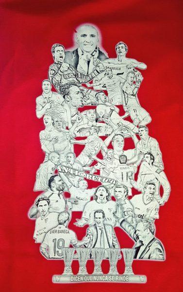 Foto: El Sevilla de los títulos en una camiseta, vía @omacias83