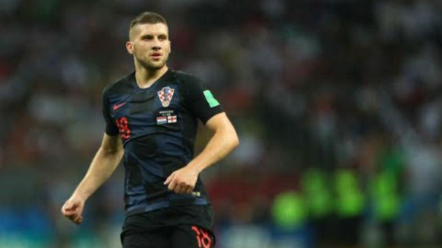 Rebic renueva con el Eintracht hasta 2022