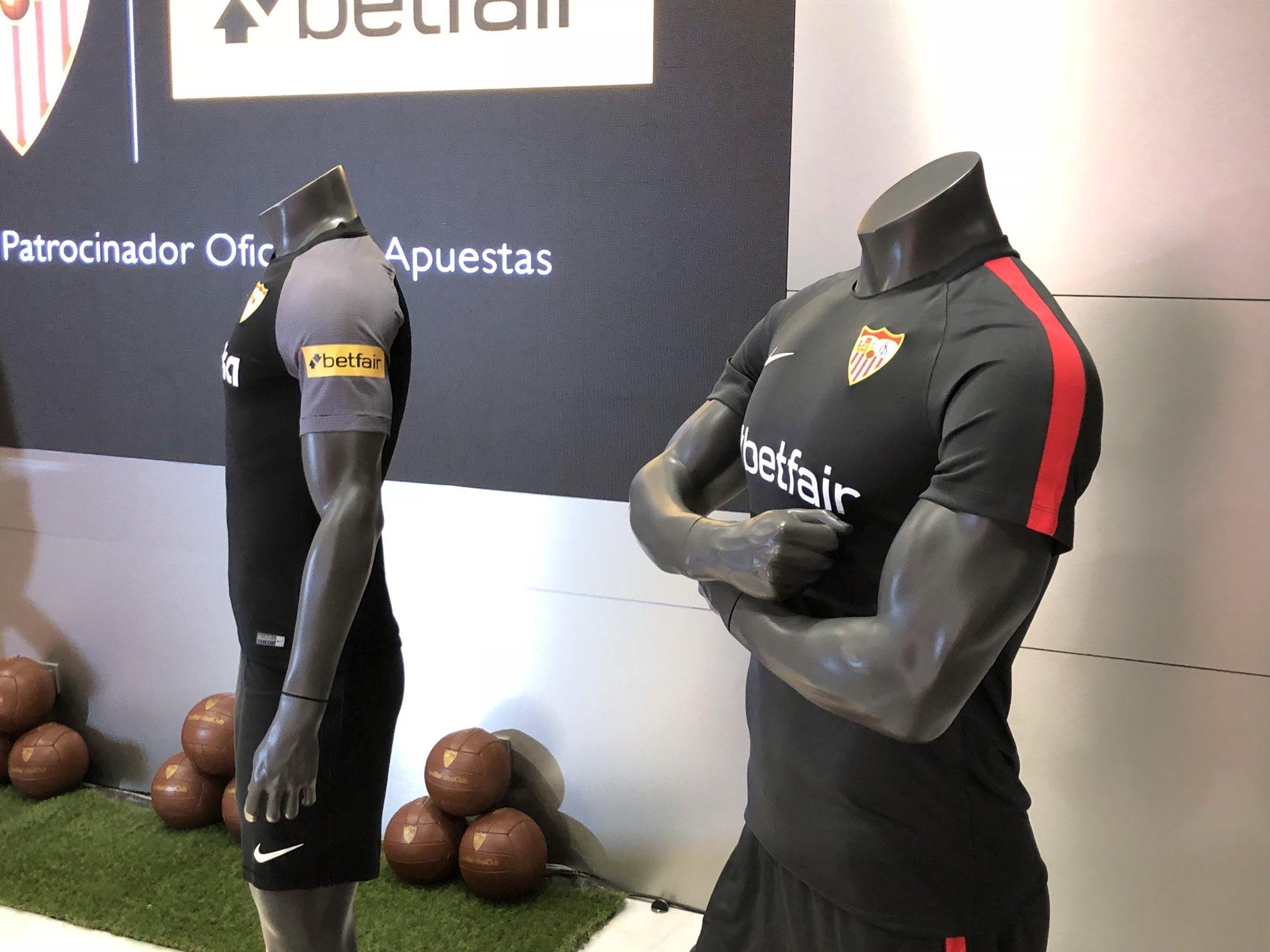 Foto: Así lucirá la publicidad de Betfair en las camisetas del Sevilla