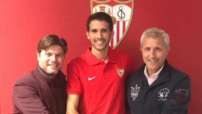 El Sevilla ata a Juanpe hasta 2020