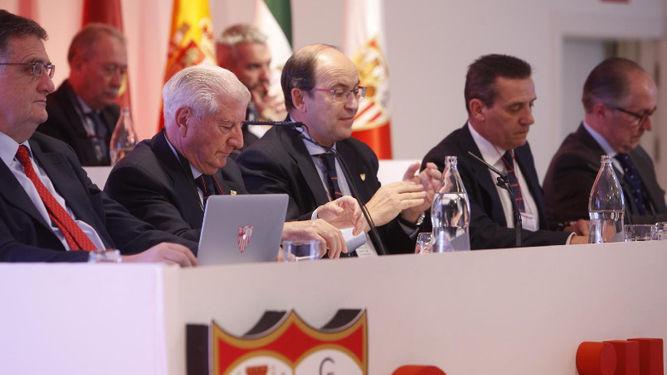 El motivo por el que la junta de accionistas del Sevilla FC apunta a cambio de fecha