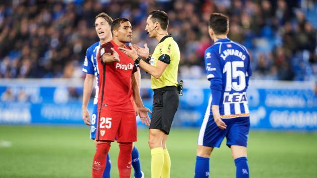 Las polémicas: la mano no sancionada y el fuera del juego del gol