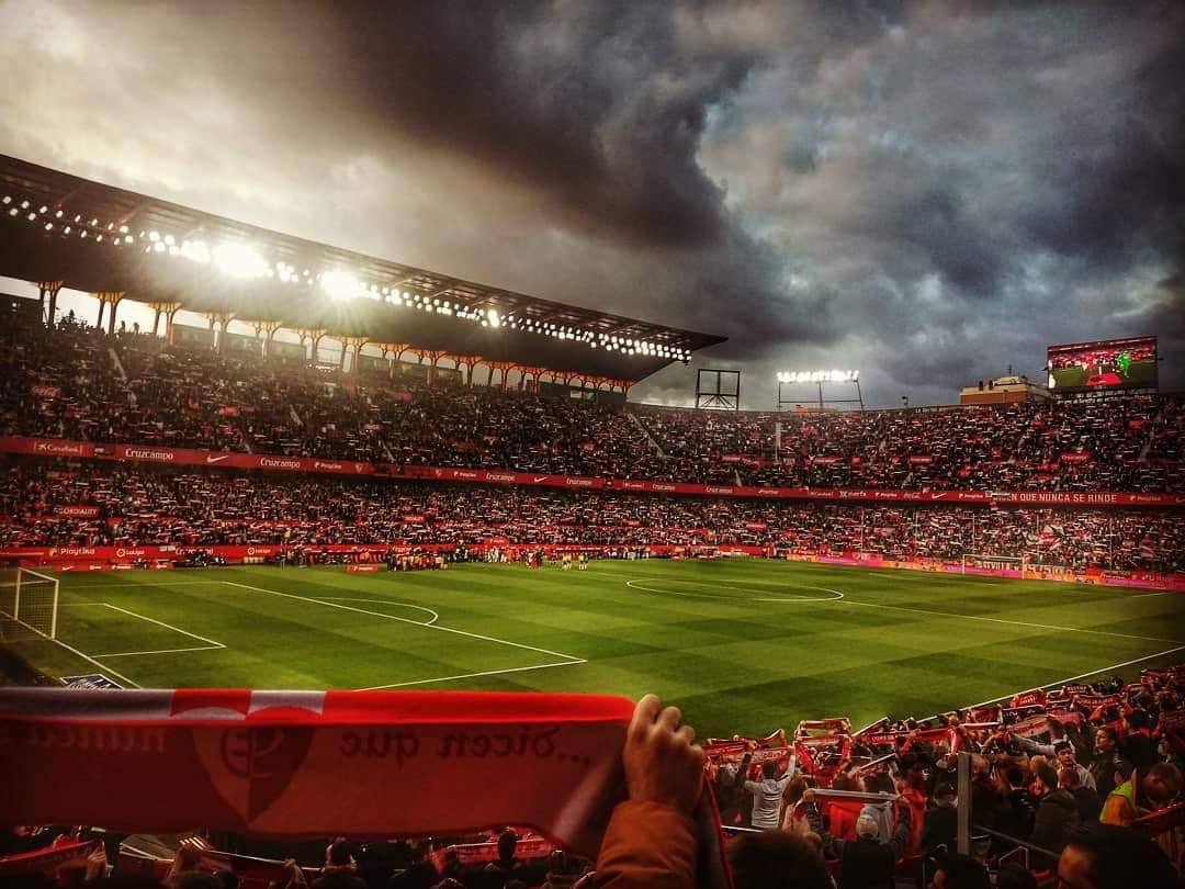 Fotón del Estadio Ramón Sánchez-Pizjuán, vía @ANGELDESDECHICO