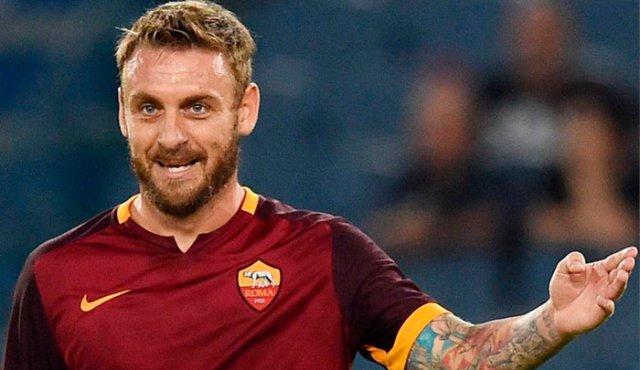 Monchi viajará este jueves a Roma para reunirse con Daniele de Rossi