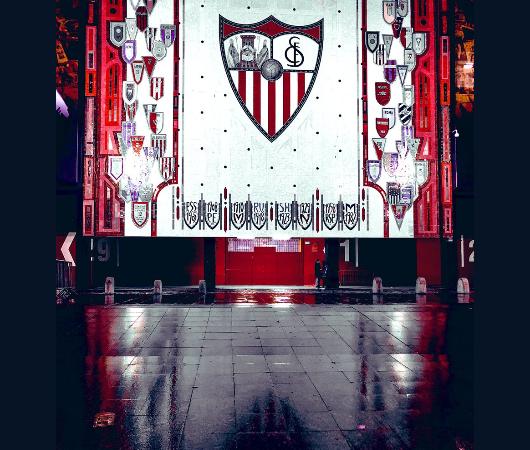 Fotón: Espectacular imagen del mosaico del Estadio, vía @MacasevillonaG
