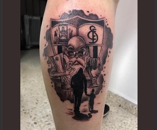 Foto: El orgullo de tu escudo llevare tatuado en mi piel, vía @RafaBF2