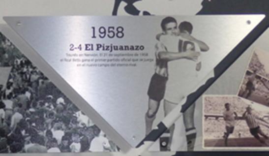 Fotos: Las dos placas que aparecen en el museo del Betis...
