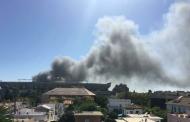 Foto: En la acera de enfrente están que echan humo, vía @TonySoprano75