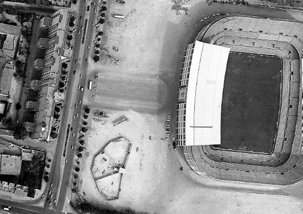Foto aérea del Estadio Sánchez-Pizjuán sin el C.C. Nervión Plaza, vía @Lobo41015