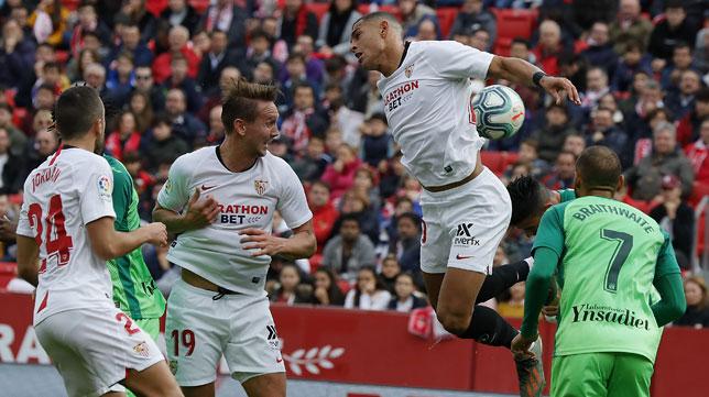 Crónica: Diego Carlos y Koundé, para todo (1-0)