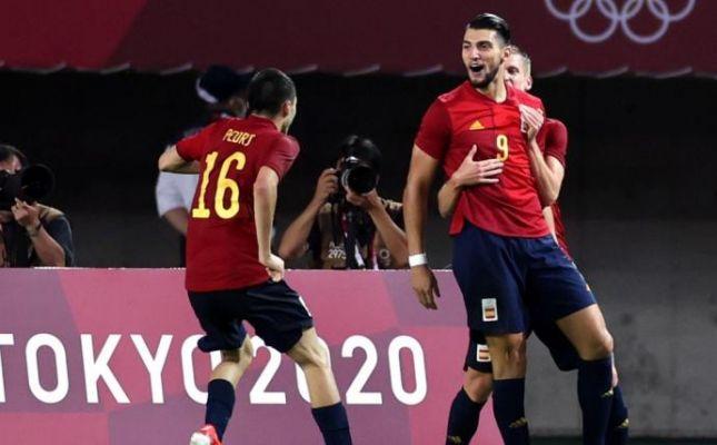 El Sevilla se lanza por Rafa Mir
