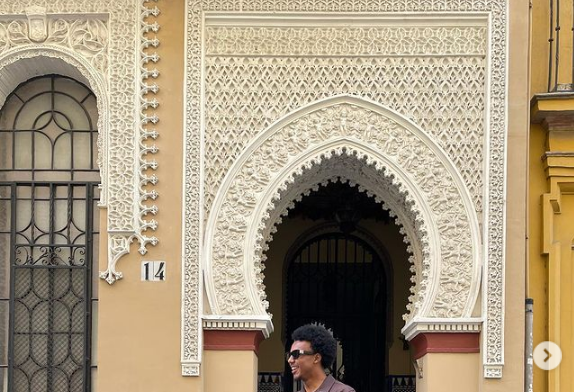 Fotos: Ojo a las pintas de Koundé paseando por Sevilla...